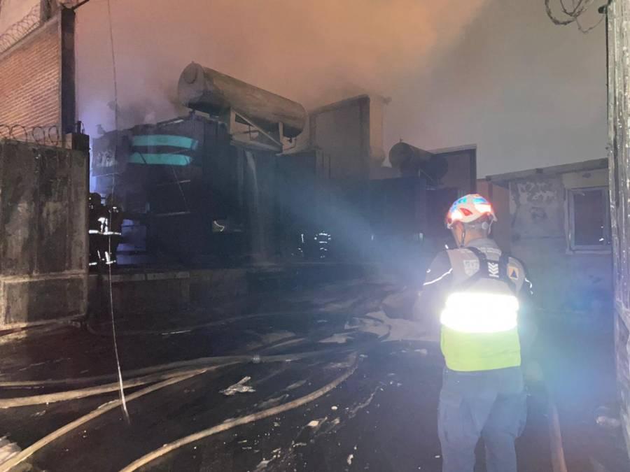 Sofocan incendio en subestación de CFE Iztapalapa