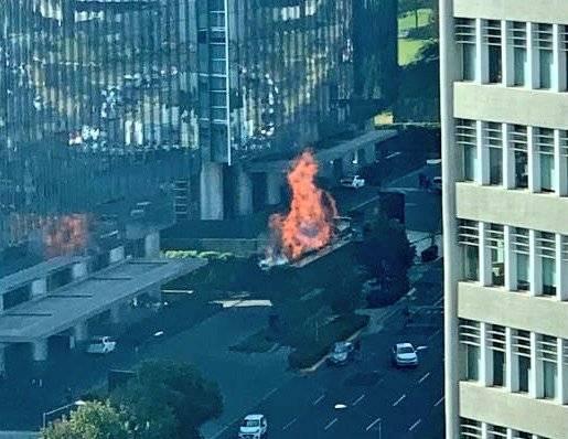 Video muestra desalojo de plaza en Santa Fe por incendio