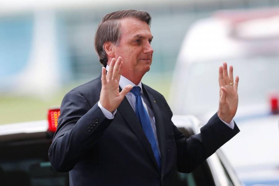Bolsonaro niega relación con posible lavado de dinero de su hijo