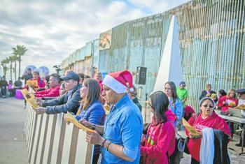 Sufren asaltos paisanos que vuelven de EU, reporta ONG
