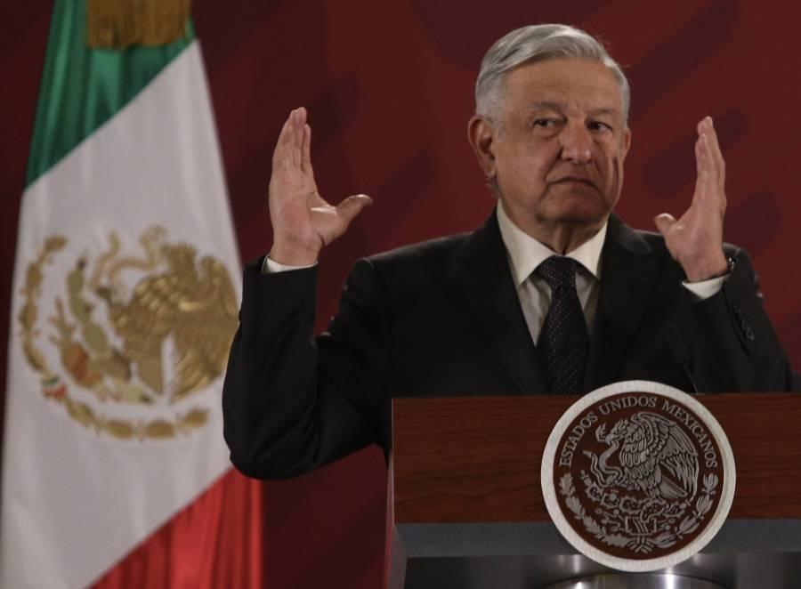 Recorren López Obrador y Bartlett central eléctrica en Querétaro