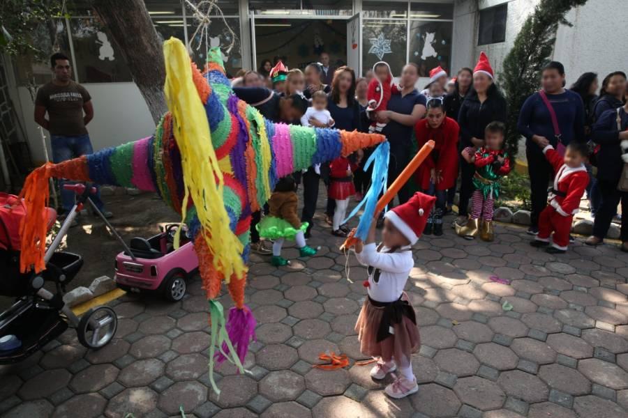 Hijos de mujeres privadas de su libertad realizan festival navideño