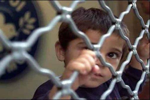 Insiste EU en la detención indefinida de menores migrantes