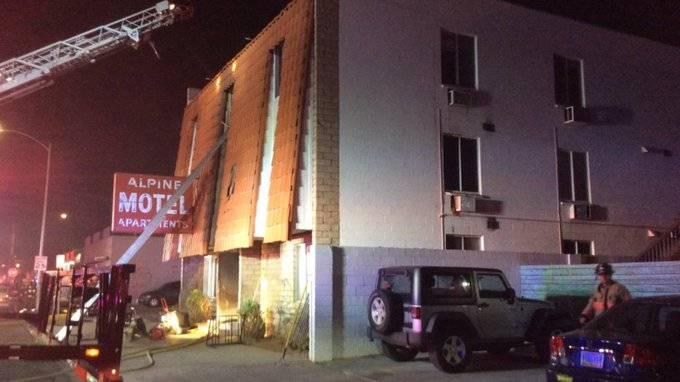 Seis muertos y 13 heridos deja incendio en hotel de Las Vegas