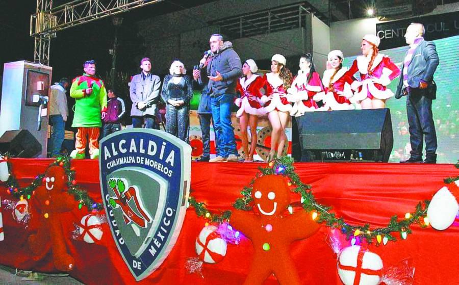 Rubalcava inaugura la Navidad Mágica