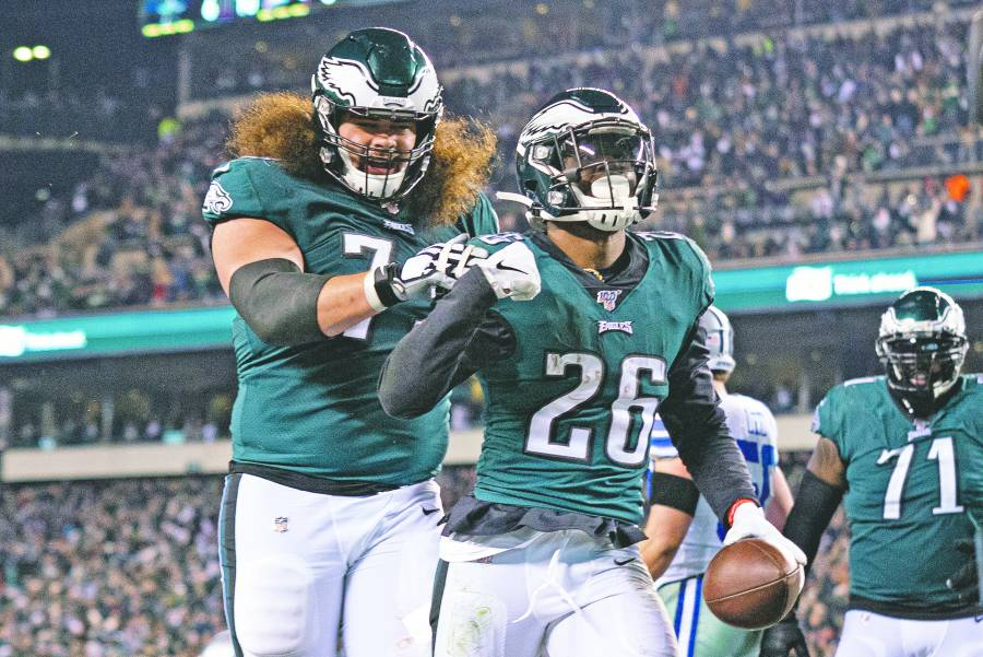 Águilas pone de cabeza a Dallas y complica su pase