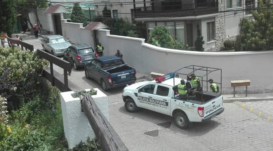 Denuncia México presencia excesiva de seguridad en su embajada en Bolivia