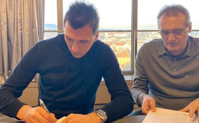 Mario Mandzukic firma con el Al-Duhail de Qatar