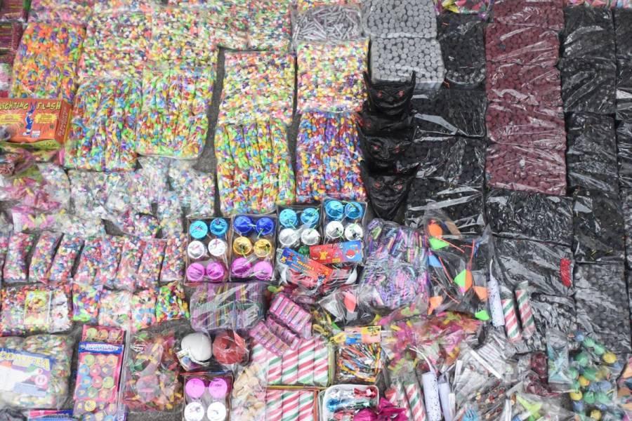Decomisan 2 mil kilos de pirotecnia en La Merced