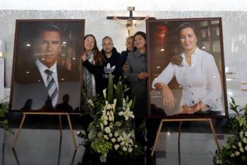 Panistas dedican misa en honor de Martha Erika Alonso y Rafael Moreno Valle