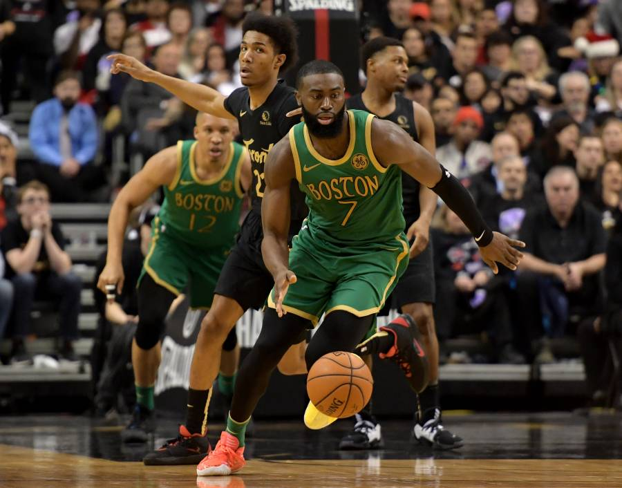 En juego navideño, Celtics gana a los Raptors