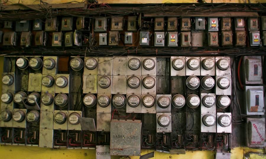 ...Y Sedeco va por retirar instalaciones eléctricas que sean riesgosas