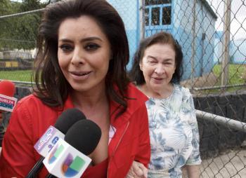 Nos dejaron sin Santa Claus, trabajo y vida, dice Yadhira Carrillo