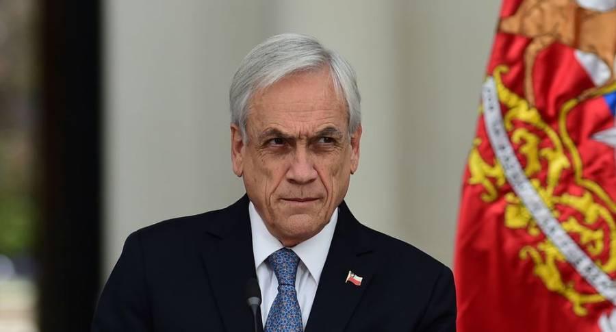 Piñera firma decreto para celebrar plebiscito constitucional