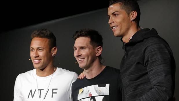 """""""CR7"""" y Messi lideran el 11 ideal de la década"""