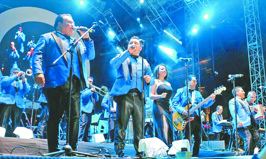 Los Ángeles Azules y la Sonora Dinamita alistan show para cerrar la década