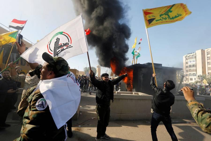 Manifestantes iraquíes irrumpen en embajada de EU en Bagdad