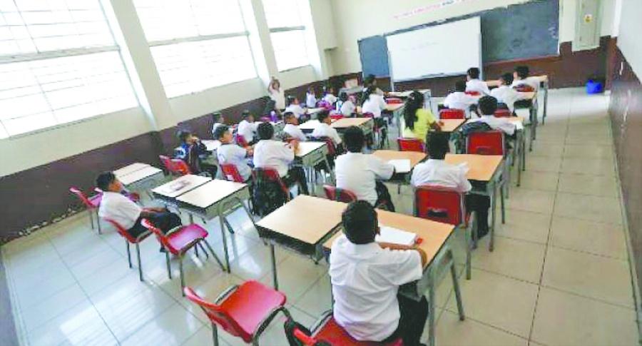 Buscan incrementar la oferta educativa en la capital