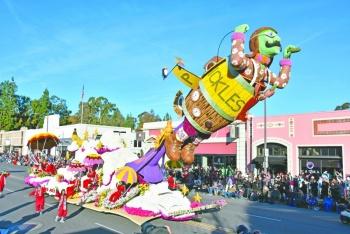 Latinos protagonizan el desfile con el que EU abre el año