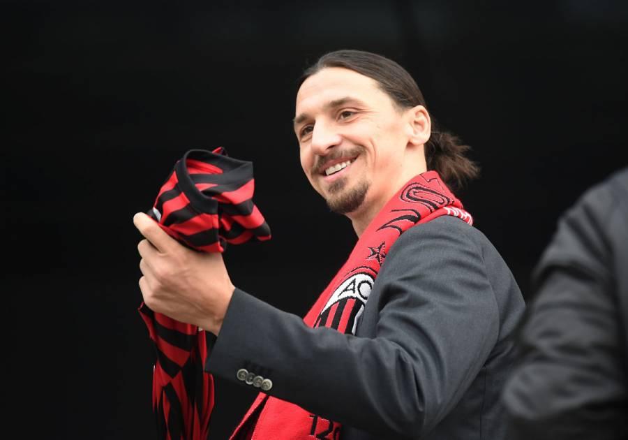 """Ibrahimovic: """"Ahora recibo más ofertas para jugar que hace 10 años"""""""