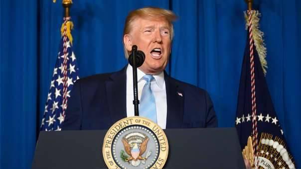 Amenaza Trump con atacar 52 objetivos iraníes