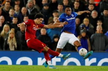 Con suplentes y gol de juvenil,  Liverpool avanza en la FA CUP