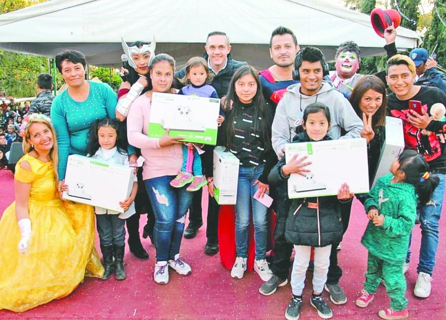 Alcalde de Cuajimalpa regala 16 mil juguetes