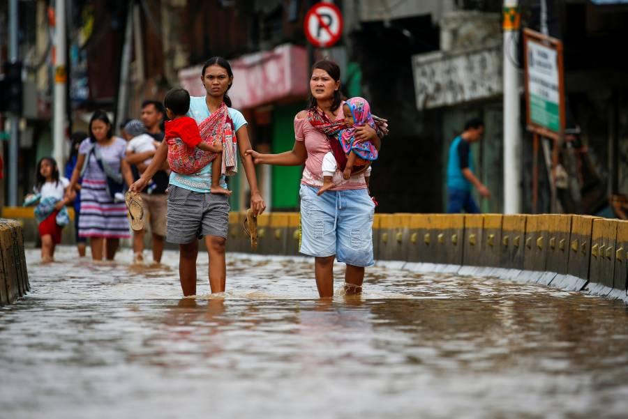 Llegan a 66 los muertos por inundaciones en Indonesia