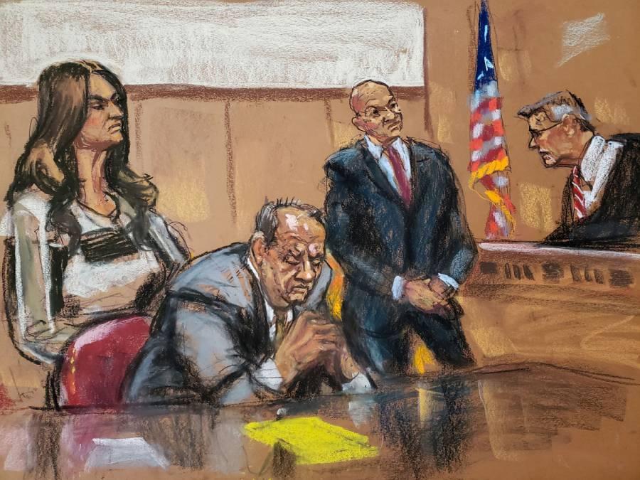 Juez amenaza a Weinstein por usar su celular durante selección del jurado