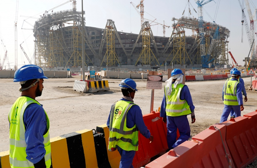 Construcción de estadios en Qatar cobran vida de 2 mil trabajadores