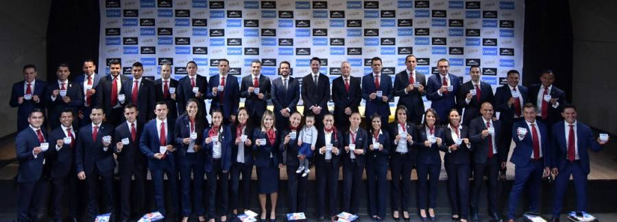 FMF entrega gafetes FIFA para el 2020