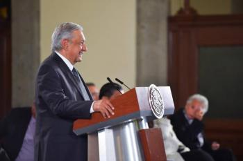 """""""Los gritos los convierto en becas"""", dice AMLO sobre protestas en Morelos"""