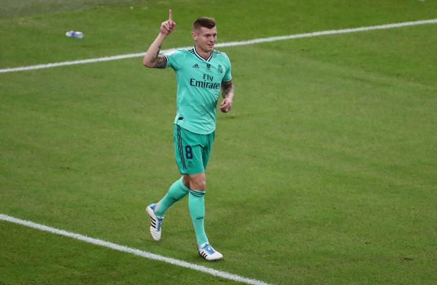 Toni Kroos luce con gol olímpico en el Real Madrid vs Valencia