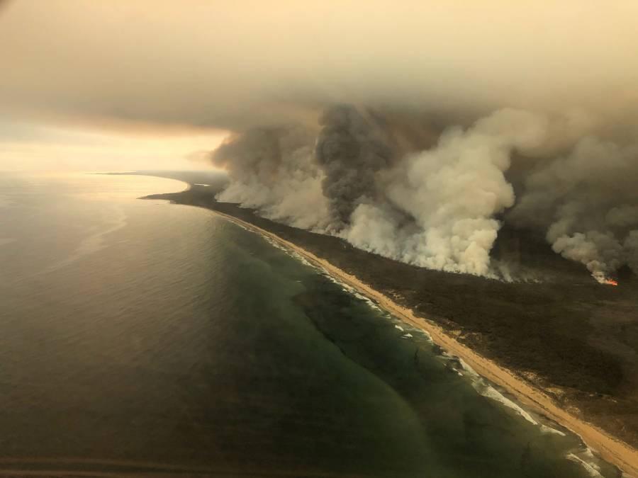 Lluvias mitigan fuego en Australia