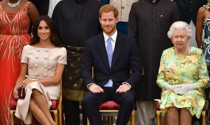La reina Isabel II frena la decisión del príncipe Harry y Meghan Markle