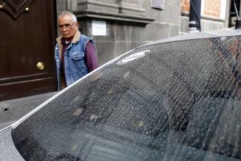 """Reportan caída de ceniza de """"Don Goyo"""" en cuatro municipios de Puebla"""