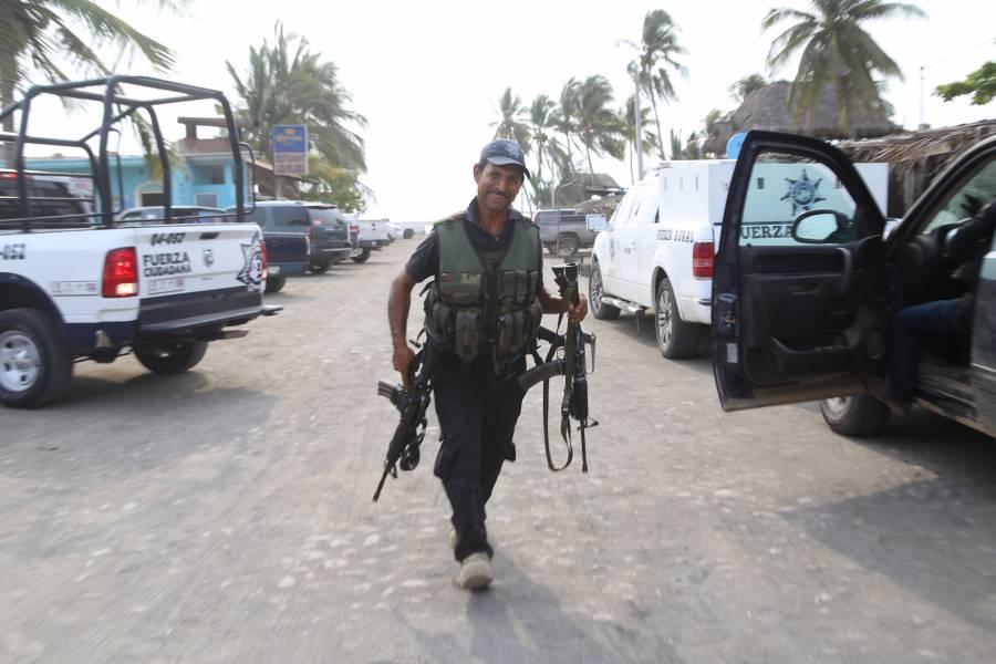 Sicarios atacan base de Policía en Michoacán