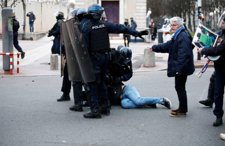 Dispuesto gobierno Francés a modificar edad de retiro de pensiones