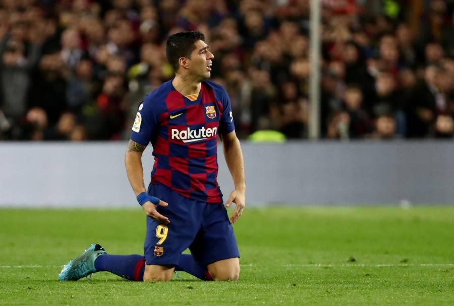 Barcelona anuncia operación en la rodilla derecha de Luis Suárez