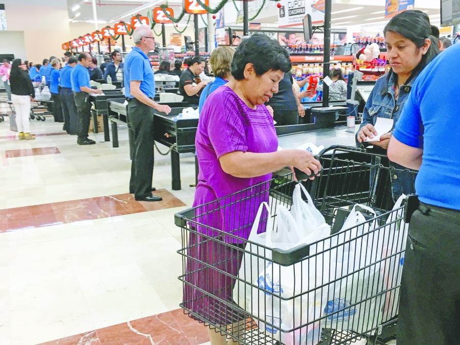 Diciembre sin brillo entre los consumidores: Inegi y Banxico