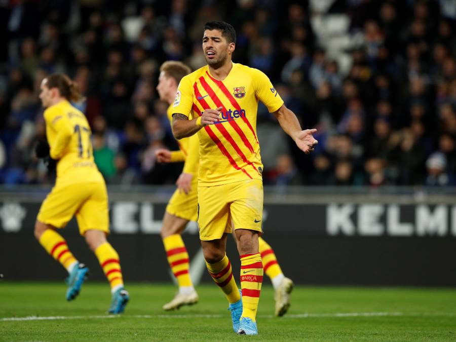 Barcelona anuncia la baja de Luis Suárez por cuatro meses