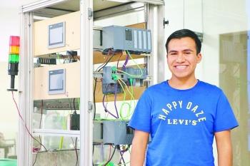 El mexicano de 21 años  que busca vida en los anillos de Saturno quiere ir a la NASA