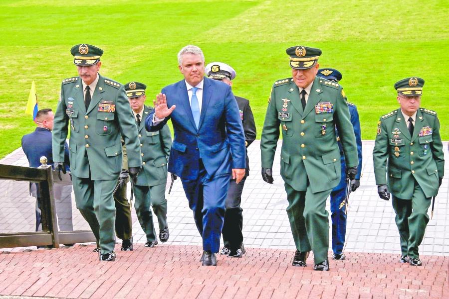 Duque se desmarca de  escándalo por espionaje