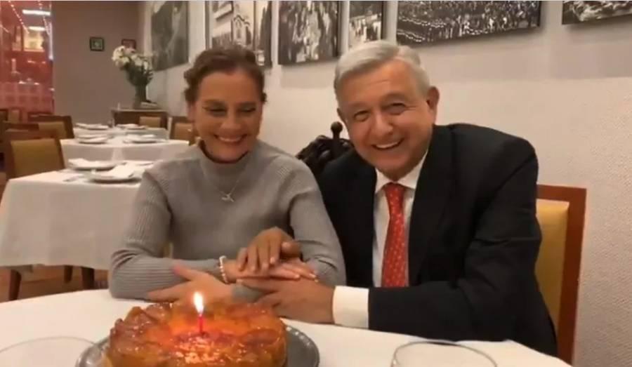 Festeja AMLO a su esposa en el restaurante El Cardenal