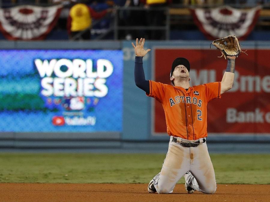 MLB castiga a los Astros con una sanción histórica