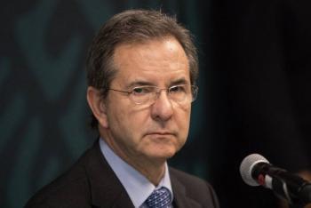 SEP y CNDH van por programa de mochila segura: Esteban Moctezuma