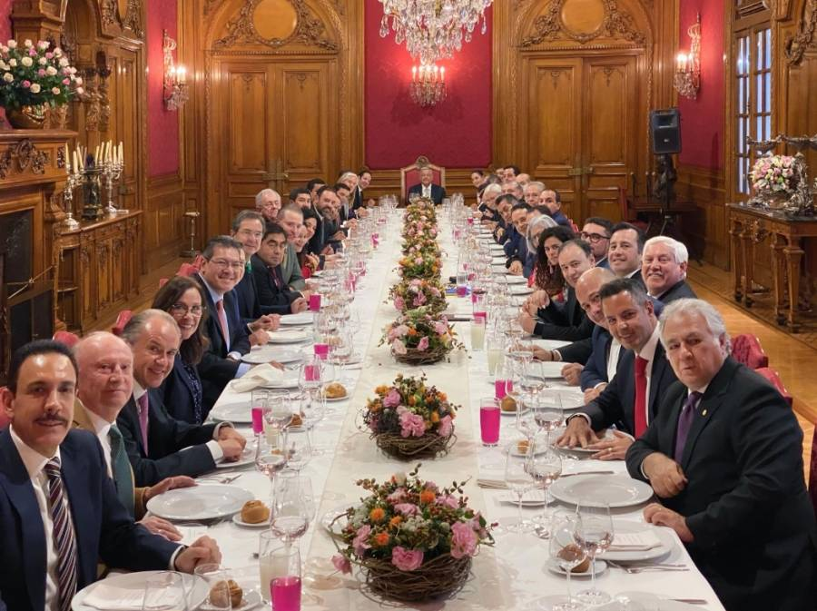 AMLO se reúne con integrantes de la Conago en Palacio Nacional