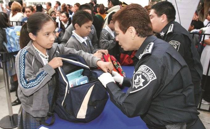 """SEP pide a padres de familia realizar programa """"Mochila Segura"""""""