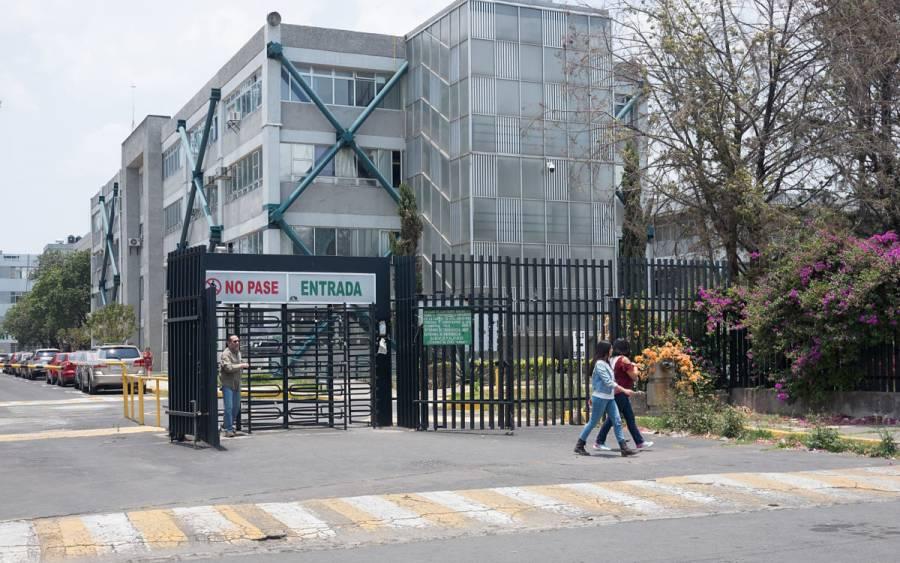 VIDEO: Estudiantes someten a 3 asaltantes que entraron a UAM Iztapalapa