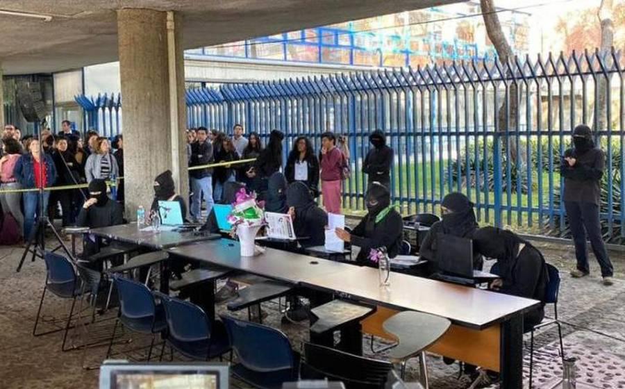 Finaliza primer diálogo público autoridades-estudiantes de la FFyL con acuerdo de reencontrarse
